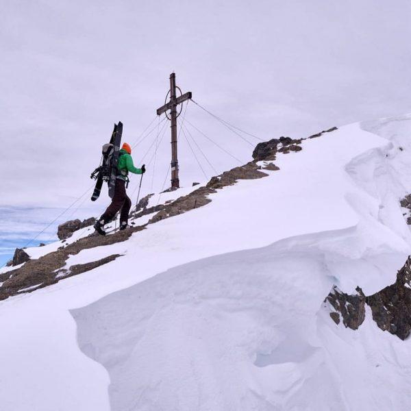 #schesaplana #splitboard #splitboarding #raetikon #brandnertal #brand #skitour #bludenz #vbgl #beneathastealsky #snowboard #mountains #alps