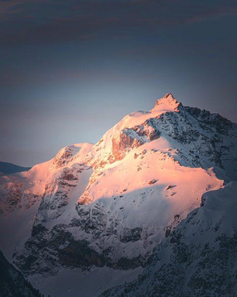 Morning Glow in @alpenstadt_bludenz Cam.: @nikon_z7 Lens.: @tamron_deutschland • • • @bergwelten @nikondach ...
