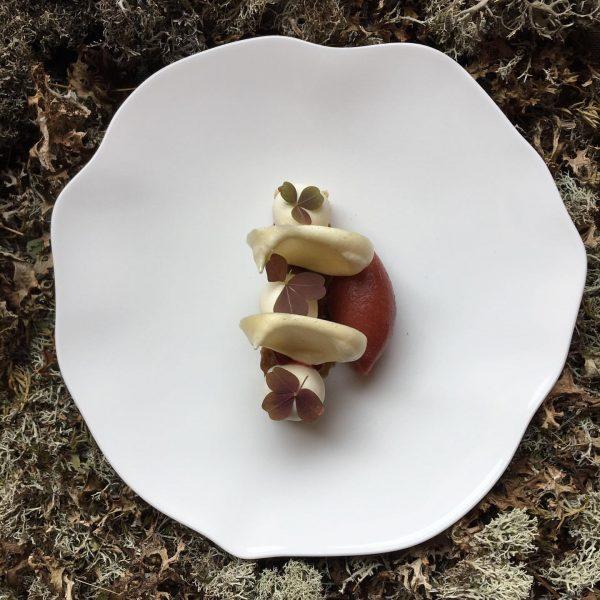 Aktuelle #speisekarte nur noch einen Tag die süß saure #frucht #fermentierte Zwetschke #zuckerrübe ...