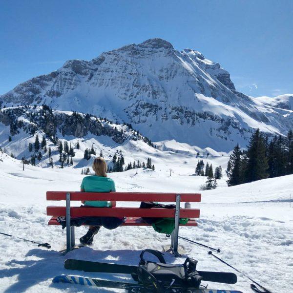 Self isolation mit @mariesche_204 ❄️ #warthschröcken #körbersee #schröcken #selfisolation #mountains #ski #wandern #berge ...