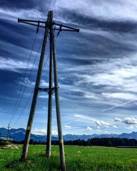 🦊 PowerLines 🦊 🌞 Photography by HeavenSky 8/2018 #heavenskypowerlineseries 🌞 #sun #light #nature ...
