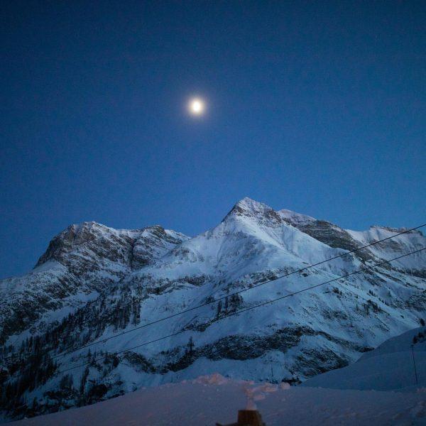 Liebe Gästen, Aufgrund der aktuellen Situation in Vorarlberg müssen auch wir schweren Herzens ...
