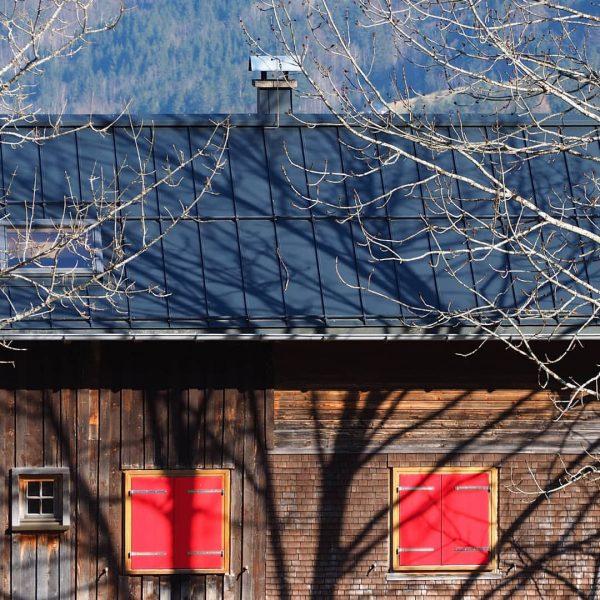 Mellau im Bregenzerwald #bregenzerwald #visitvorarlberg #visitbregenzerwald #mellau #vorarlberg #Frühling #kanisfluh #berge #hütte #wandern ...