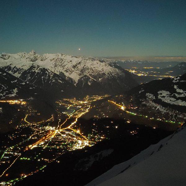 Blick bei Nacht von der @wormserhuette ❤️🤩 Einfach magisch ✨ . . . ...