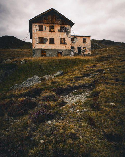 Versailhaus in the wonderful Montafon 👍 • • • @milliondollarvisuals @lightroom @earth_deluxe @folkgreen @stayandwander • • •...