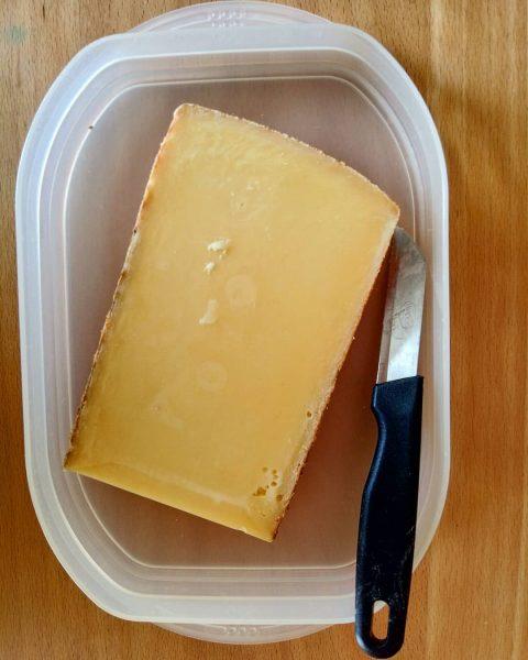 ..ein Stück Vorarlberg! #ländle #vorarlberg #bergkäse #kulinarik #gusto #käse #bregenzerwald #nahversorger
