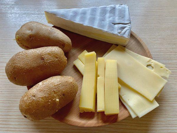 Gleich zwei Zutaten der Vorarlbergerischen Küche vereint das Gericht Grumpara mit Käs oder ...