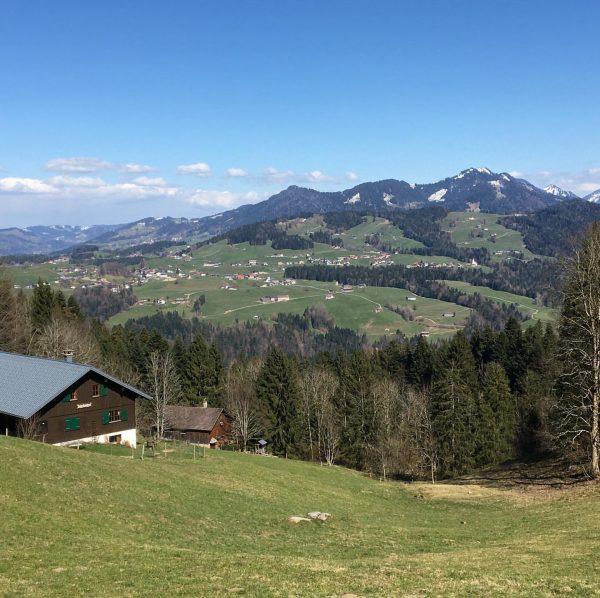 #laendlepics #alberschwende #langenegg #view #sunshine #sun #bregenzerwald #vorarlberg #österreich #holiday #clouds #landscape #visitbregenzerwald ...