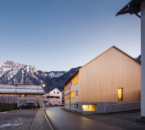 Tempel 74 #baumeisterjürgenhaller #häusermitseele #mellau #bregenzerwald #vorarlberg #austria #architektur #architecture #baumanagement #constructionmanagement #vorarlbergerholzbaukunst ...