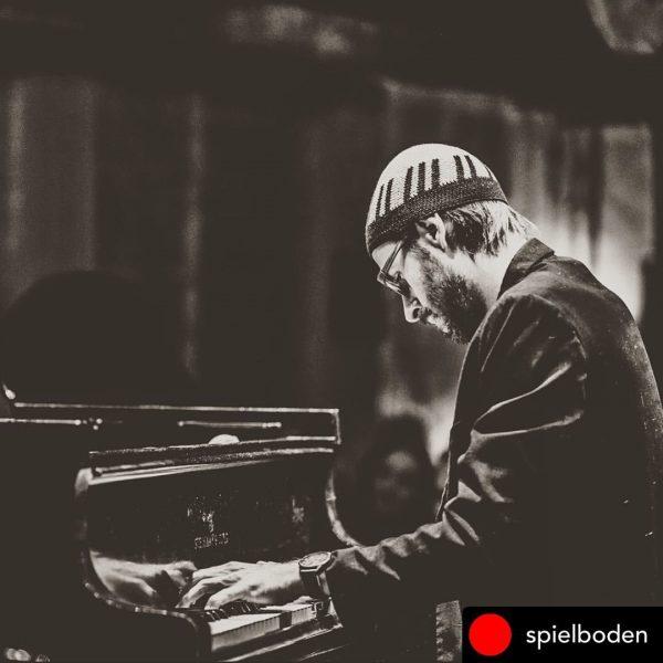 Posted @withregram • @spielboden Dringeblieben! David Helbock - Solopiano - Livestream vom Spielboden ...