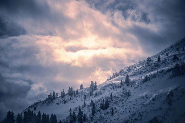 Rückblick - Winterlandschaft bei Damüls am Morgen mit mystischer Wolkenkulisse #stimmungszauber #winter #damuels ...