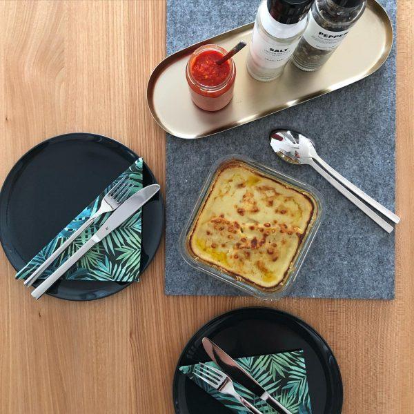 Kohlrabi mit feinem Käse überbacken Kohlrabi in feine Scheiben schneiden und in kochendem Wasser kurz blanchieren, anschließend...