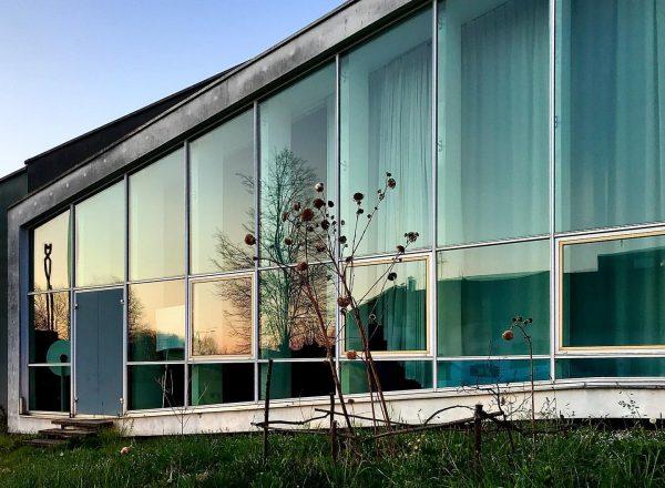 #dornbirn #architecture #favouritebuilding #60tiesarchitecture #vorarlberg #architecture #architecturephotography #blauestunde #mirror #spiegelung #visitvorarlberg Dornbirn