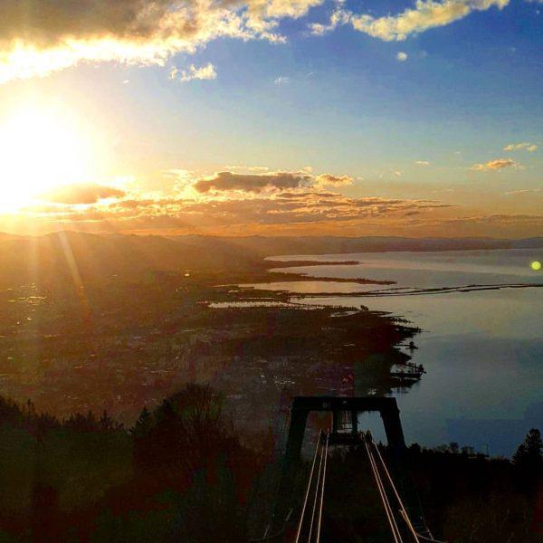 #lakeofconstance #lakelife #lakelove #wanderlust #wandern #berg #pfänder #pfänderbahn #sunset #bregenz #visitbregenz #visitlakeconstance #visitvorarlberg ...