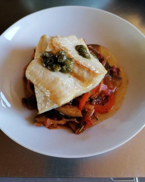 Heute passend zu Karfreitag Hechtschnitte Paprika, Aubergine & Tomate 300 g Hechtfilet 1 ...