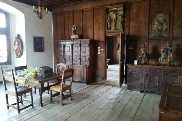 In der Vogtei 🛡️⚔️ ging es nicht immer so beschaulich zu. #schattenburgmuseum #schattenburgfeldkirch #schauaufdichschauaufmich #closedbutactive #closedbutopen #digitaloutreach...