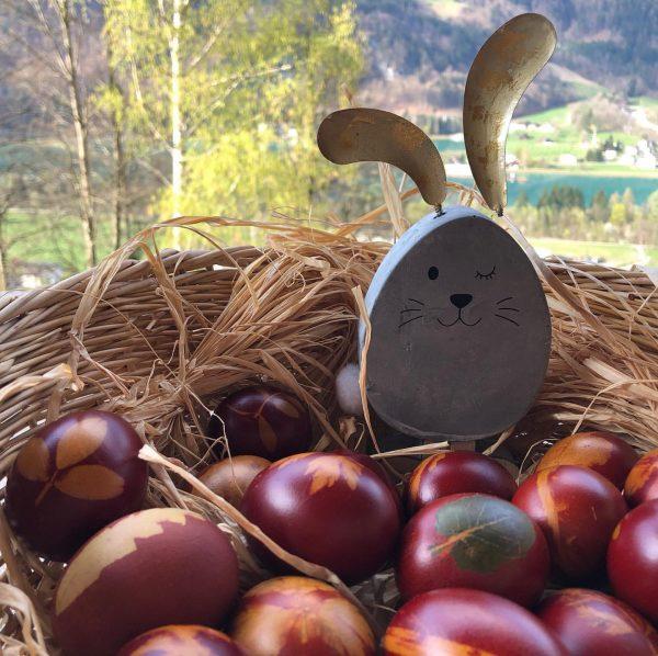 Wir wünschen euch schöne Ostern! #montafon #meinmontafon #vorarlberg #regional #schruns #bartholomäberg #silbertal #achteaufdich #berge #alpen #alpe #maisess...