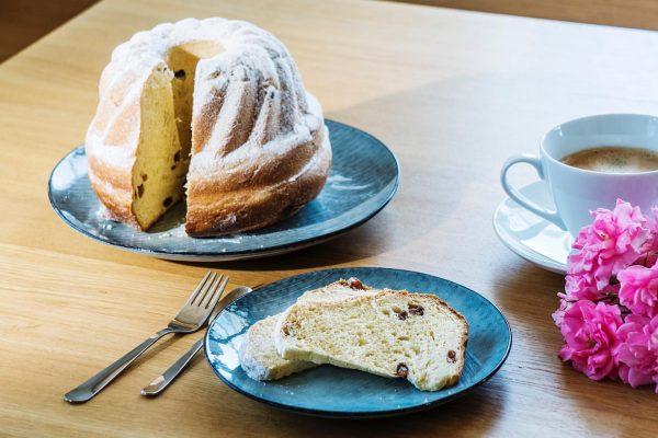 Bald dürfen wir unsere Gäste wieder mit hausgemachtem Kuchen verwöhnen #stayhome #bleibzuhause #tempel74 ...