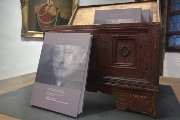 Das Schattenburgmuseum publiziert immer wieder Bücher zu Feldkirch. Unsere Neuerscheinungen sind im Museumsshop erhältlich und derzeit vor...
