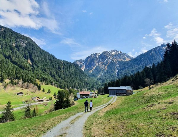 """• To stroll • """"to walk in a slow relaxed way, especially for pleasure"""" #collectmoments #socialdistancing #myvorarlberg..."""