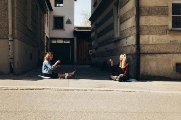 Die Fotografinnen @sarahmistura und Kirstin Tödtling waren an einem Shopping-Tag in der @landeshauptstadt_bregenz ...