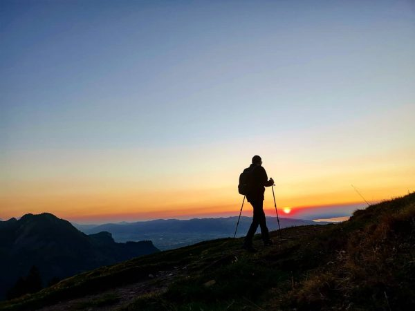 sunsethike #afterworkhike #stayathome #hikealone #sunset #sunsethike #noplanesinthesky #mountainworld  #feelthealps  #stayandwander  #neverstopexploring  #alps #alpen ...