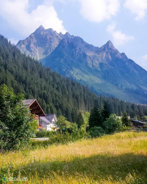 Už se nemůžu dočkat, až se zase dostanu někam do hor. . 💙💚💙💚💙💚💙 ...