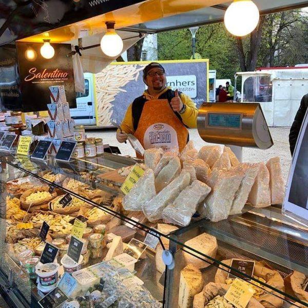 Wochenmarkt wieder geöffnet! Seit vergangenem Donnerstag, dem 23. April 2020, findet jeden Donnerstag ...