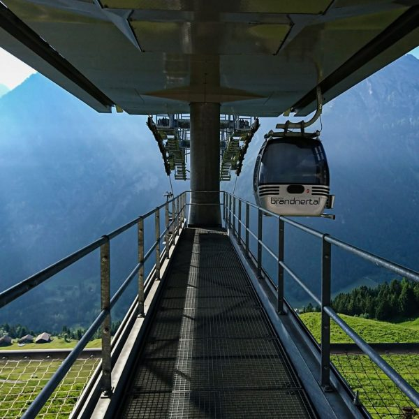 Unsere Sommerbahnen bringen dich schnell & bequem auf den Berg. Was ist deine ...