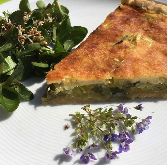 """Zum Start in die Woche ein tolles Gericht aus der KäseStrasse Bregenzerwald """"Lauch-Torte ..."""