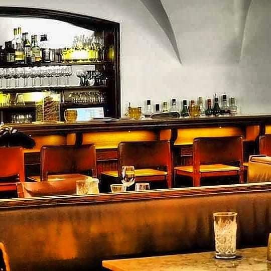 #sittingatthebar erlaubt Cafe Hecht Feldkirch
