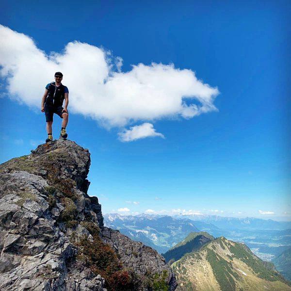 Nicht das Gipfelkreuz, aber doch ganz oben🏔🔝 #bergig #mountainslovers #nature #aufiaufnberg #wandern #wandernmachtglücklich ...