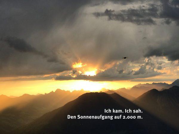 #venividivorarlberg #visitvorarlberg #bergpartnervorarlberg Frühmorgens zwischen 3.00 und 4.00 h starten wir zu einer Bergtour mit Stirnlampen, und...