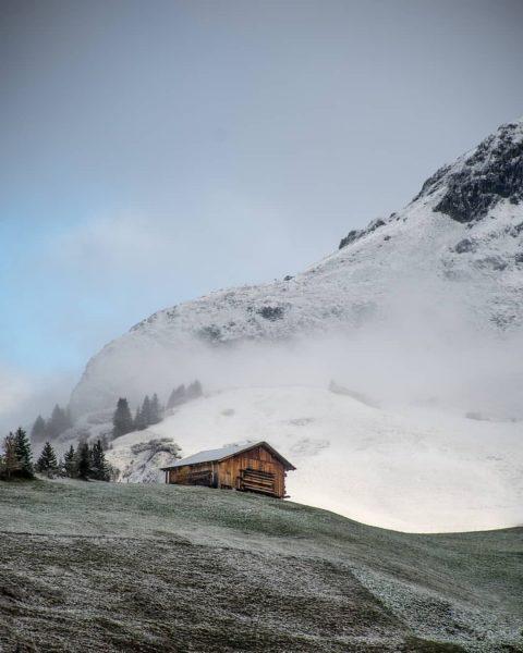 The beauty of nature inspires to grow 💚🏔️ . .. . #lechzuers #bestofthealps #arlberg #visitvorarlberg #visitaustria #lovenature...
