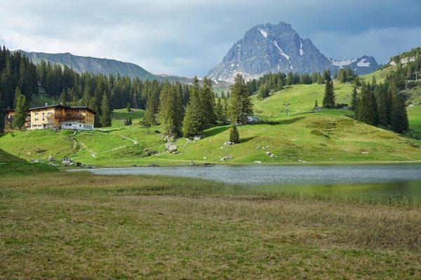 Going out be like #körbersee #landscapephotography #trekking #lakesideview #sonyalpha #sonyalphatr #venividivorarlberg Körbersee