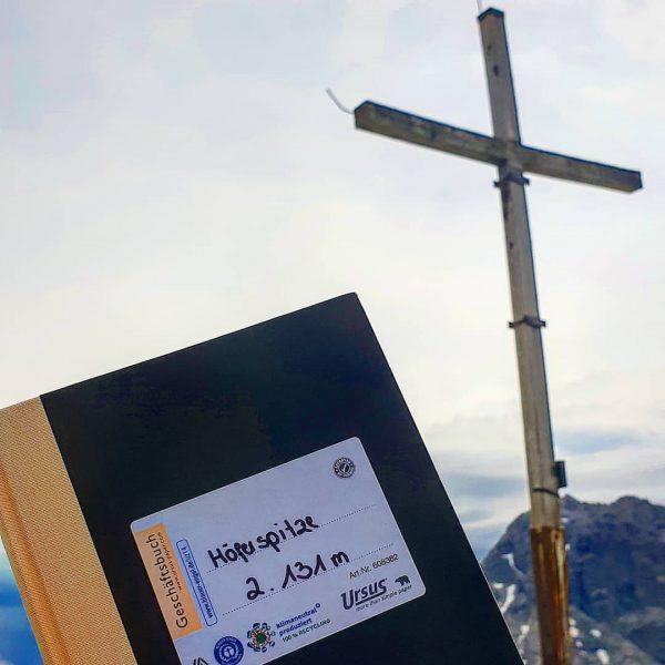 Höferspitze ⛰ . . . #puresgipfelglück #postkartenblicke #deratemderberge #bergluftatmen #höferspitze #höferkamm #warthschroecken #visitbregenzerwald ...