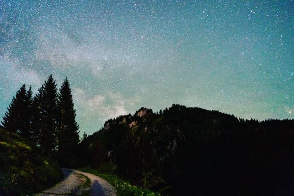 Guess who found the time for some milky way shots again?🎉 Only a ...