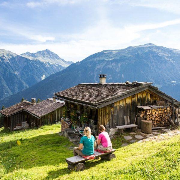 Eine ausgedehnte Pause gehört bei einer Wanderung in den Montafoner Bergen einfach dazu, ...