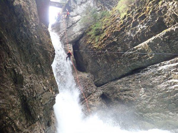Verlängertes Wochenende=verlängerter Spaß=Canyoning! #canyonauten #canyoning #canyon #watersports #adidascanyoning #water #waterfall #abseil #fun #adventure #ropework #whitewater #adrenaline #family...