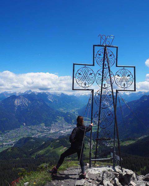 ⛰ Die Mondspitze (1967m) . Gestartet wird beim Parkplatz Tschengla. Vorbei an der ...