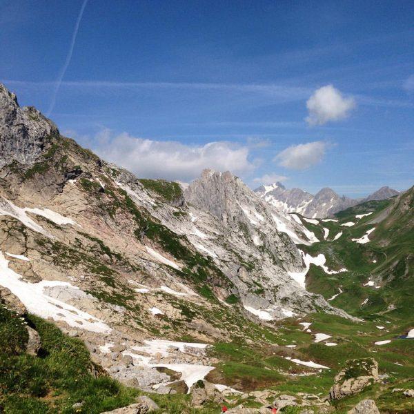 Uitzicht van af #öfapass richting #Verajöchli #alpen #vorarlberg onderweg naar de #lindauerhütte via ...