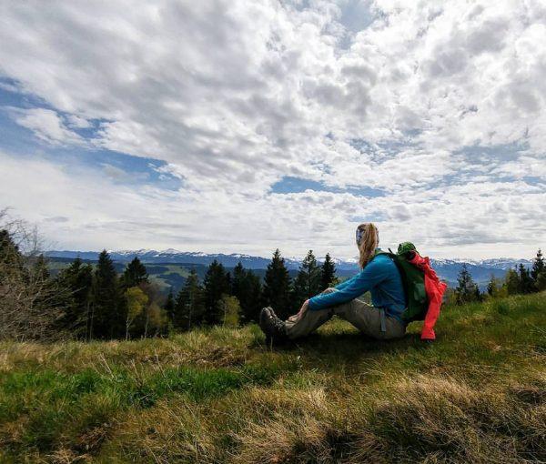 Endlich wieder! #rausinsgrüne #abaufdenberg #frühling #wanderlust #berge #sonne #puresglück @lacorr_ Hirschbergsau, Vorarlberg, Austria