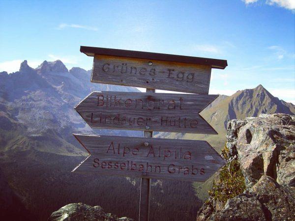 #grünesegg #wandern #montafon #gipfel #wandertour #österreich #urlaub #sonne #berge #lindauerhütte #alpealpina #grabs #bilkengrat ...