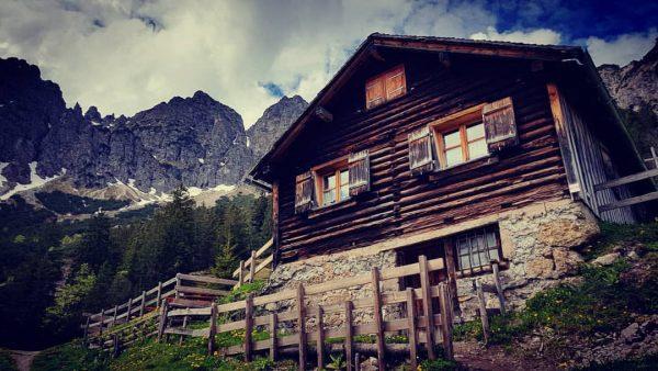 Gurtis - Gurtisspitze - Sattelalpe - Gurtis... #alpinehut #oldbuilding #hut #niceplace #mountainlove #vorarlbergwandern ...