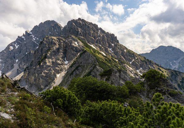 Bisschen was über 20 Minuten hoch gebraucht 🏔 #gurtisspitze #bazora #hoheköpfe #wanderlust #österreich ...