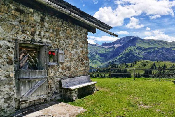Gaisbühelalpe . . #dezezomer #wandelenindebergen #gaisbühelalpe #vorarlberg #bregenzerwald #mountains #oostenrijk #tannberg #visitbregenzerwald #visitvorarlberg ...