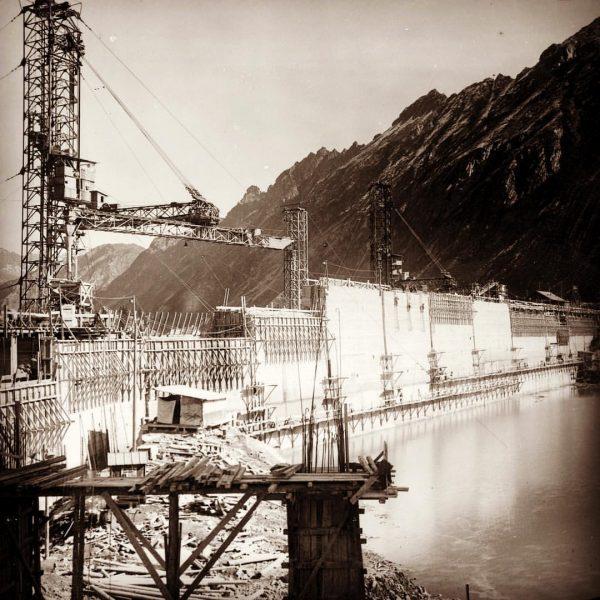 Vor 88 Jahren, im Jahr 1930, ging unser erstes Kraftwerk, das von den ...