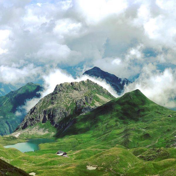 Sulzfluh - Tilisunahütte 🎒🚶🏻♂️😎😅☀️ #sulzfluh #partnun #stantönien #berge #mountains #graubünden #grhome #switzerland #walking ...