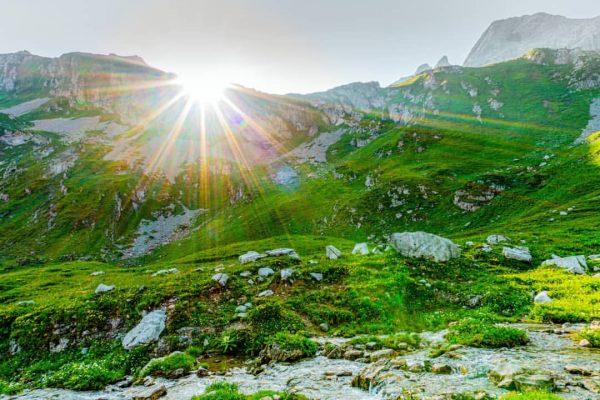Here Comes The Sun 🏞️☀️⛰️ ______________ #sonnenaufgang #earlybird #verajoch #lünersee #brandnertal #rätikon #vorarlberg ...