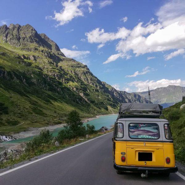 On the way. #silvretta #silvrettahochalpenstrasse #gebirge #vermunt #vermuntstausee #vorarlberg #schönesländle #lebenimparadies #livinginparadise #paradise ...